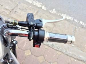Tay phanh, tay ga xe đạp điện cũ